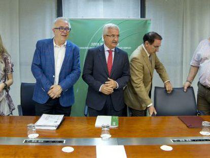 Castilla, Sánchez Maldonado. Jiménez Barrios, González de Lara y Carbonero.