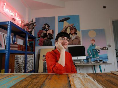 Lara Lars, artista de collage y autora de las imágenes de los Veranos de la Villa 2021 posa en su estudio de Carabanchel el 17 de junio de 2021.