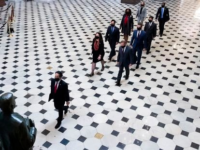 Ceremonia de traslado de la causa contra Trump desde la Cámara de Representantes al Senado de EE UU, este martes.