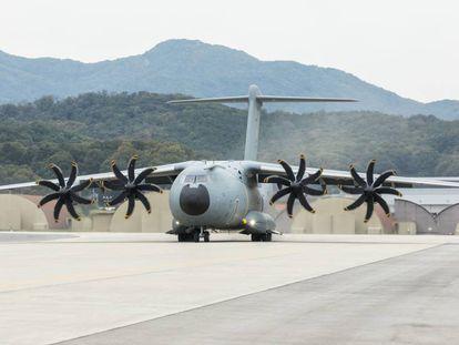 Despegue de un avión de transporrte A400M del Ejército del Aire