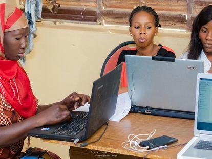 Algunas de las participantes en el programa Weesuwul en Senegal.