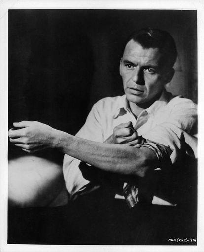 Frank Sinatra en 'El hombre del brazo de oro'.