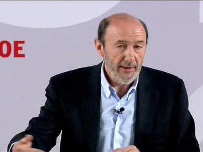"""Rubalcaba ofrece a Rajoy hablar en la Unión Europea """"con una sola voz"""""""
