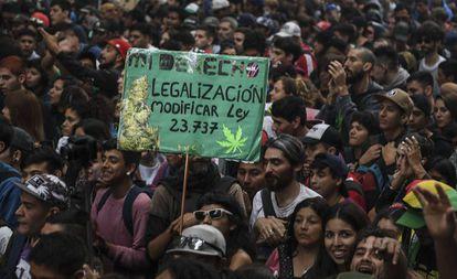 Manifestación en Buenos Aires por la despenalización de la marihuana y regulación estatal de los estupefacientes, realizada en mayo pasado