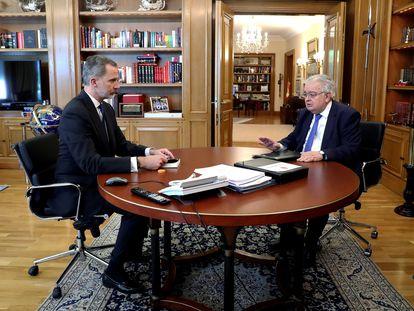 Felipe VI recibe al presidente del Tribunal Constitucional, Juan José González Rivas, quien le ha entregado la Memoria correspondiente a 2019.