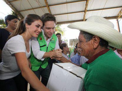 Anahi y Velasco, en un acto oficial en Chiapas.