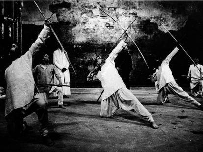 Una escena del 'Mahabharata', montaje de Peter Brook estrenado en 1985.
