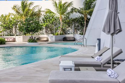 La piscina exterior del edificio de la familia Beckham en Miami