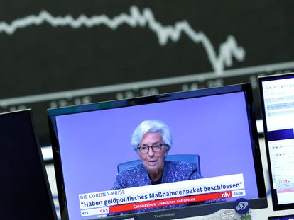 Retransmisión en la televisión alemana de la última rueda de prensa de Christine Lagarde, presidenta del BCE.
