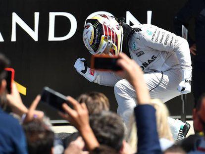 Hamilton, este domingo, tras imponerse en Silverstone.