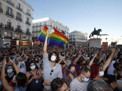 Manifestación celebrada este lunes en la Puerta del Sol, en Madrid, para condenar el crimen de Samuel Luiz.