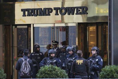 Agentes de seguridad en la Torre Trump de Nueva York, el pasado noviembre
