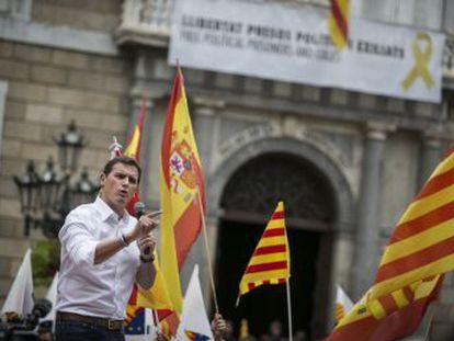 El presidente de Ciudadanos avisa a Sánchez de que  no se puede gobernar España con los que quieren liquidarla