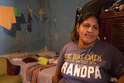 Maribel Cantarero, en su casa a las afueras de San Pedro Sula.