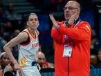 Anna Cruz y Lucas Mondelo, en un partido del Eurobasket de 2019. feb
