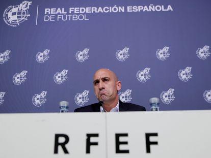 Luis Rubiales, presidente de la Federación Española de Fútbol, durante una rueda de prensa.