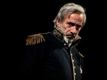 Imanol Arias en 'El coronel no tiene quien le escriba'.