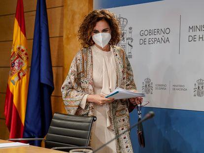 La ministra de Hacienda, María Jesús Montero, en la rueda de prensa de este viernes.