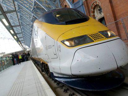 Un tren de Eurostar a su llegada a Londres.