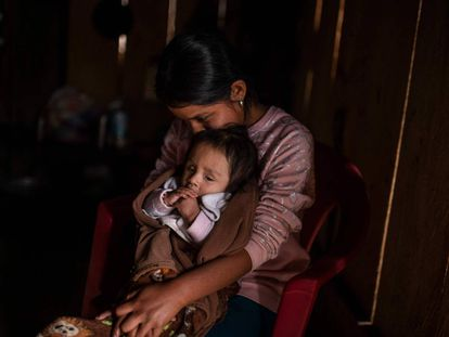 """""""No quiero que me vendas"""": el drama del comercio de niñas indígenas en México"""