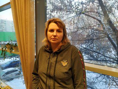 Yulia Pávlikova, madre de Anna Pávlikova, en una cafetería de Moscú.