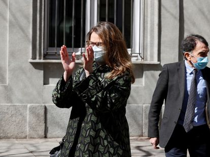 Meritxell Serret, a su salida del Tribunal Supremo, tras comparecer este jueves voluntariamente ante el magistrado del Pablo Llarena.