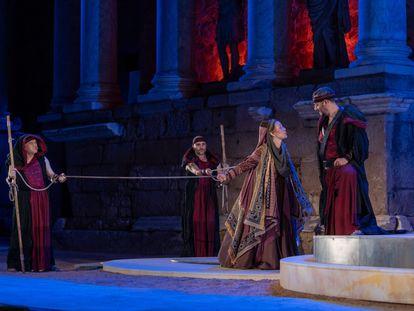Una escena de la obra Hipatia de Alejandría, en el Teatro Romano de Mérida.