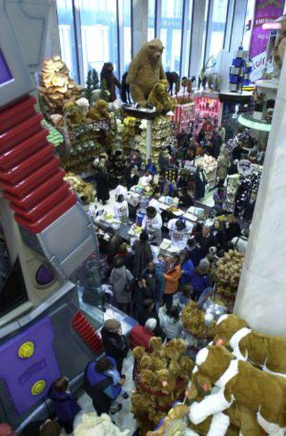 Interior de la tienda FAO Schwartz de la Quinta Avenida.