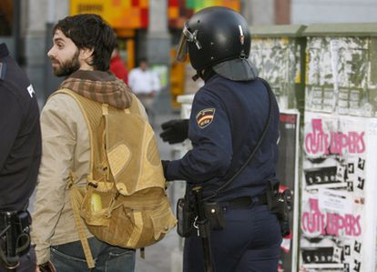 Alberto Amarilla, joven actor español, también estaba entre las personas que han querido permanecer acampadas en la Puerta del Sol, hasta esta mañana, que han sido desalojados.