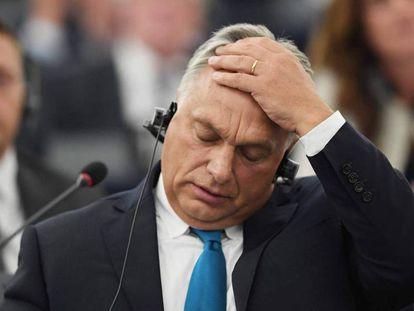 Viktor Orbán, durante el debate celebrado este martes en Estrasburgo.