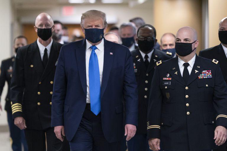 Donald Trump visita el Hospital Militar Walter Reed en julio de este año.