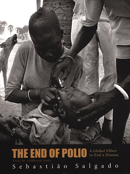 Portada de 'The End of Polio. A Global effort to end a disease'.