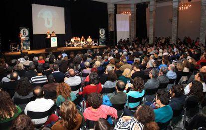 La plataforma ciudadana convocó a centenares de personas ayer en el Círculo de Bellas Artes.