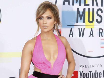 Jennifer Lopez, a su llegada a los American Music Awards, celebrados el 9 de octubre de 2018 en Los Ángeles (California).