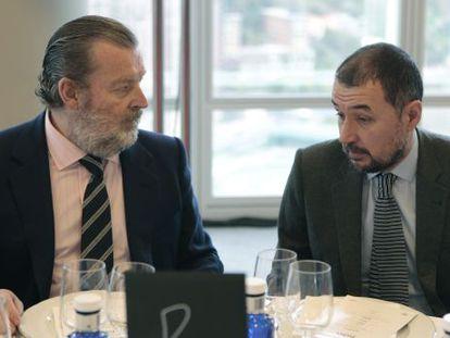 José Luis Sabas, a la izquierda, y Andrés Rodríguez en la presentación de Forbes.