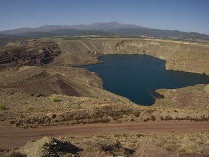 Minas de hierro a cielo abierto en Alquife (Granada).