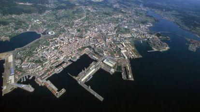 Imagen aérea de Ferrol, con la ensenada de A Malata a la izquierda, donde se construirá el viaducto para el tren.