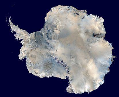 Mapa tridimensional de la Antártida, con la península Antártica a la izquierda.