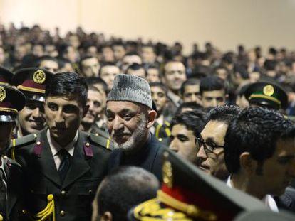 Hamid Karzai, tras una conferencia en la Academia Militar de Kabul, el pasado 16 de febrero.
