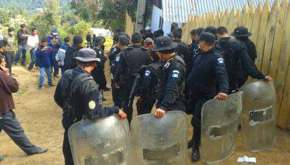 Detención de un líder comunitario en la comunidad de San Marco.