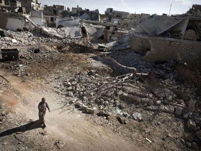 La localidad de Saraqib, en Alepo, destrozada tras meses de lucha entre el gobierno y los opositores, en una foto del 9 de septiembre.