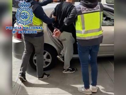 La Policía Nacional detiene a un hombre por un delito de robo con violencia cometido hace más de un año. 27/03/2021