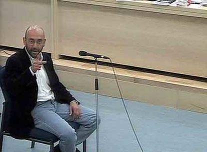Abu Dahdah, presunto líder de Al Qaeda, durante el juicio que se siguió en 2005 en la Audiencia Nacional sobre el 11-S.