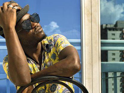 Cimafunk se ha convertido en el cantante de moda en la isla.