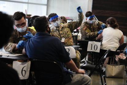 2ECXCEJMBLSANPKLOALJHW7FII - Cómo logró Estados Unidos acelerar su campaña de vacunación masiva