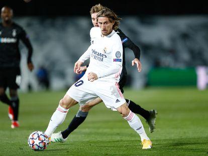 Luka Modric, durante el partido contra el Borussia Mönchengladbach del miércoles en el Di Stéfano.