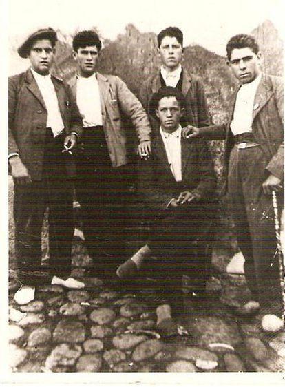 Los cinco hombres de Villanueva de la Vera (Cáceres) que fueron 'paseados' por los nacionales y obligados a cavar su propia tumba antes de su ejecución