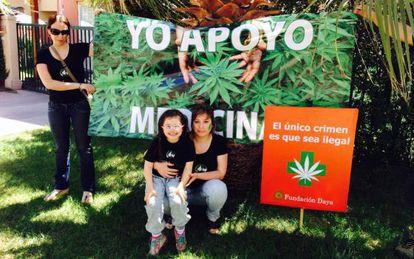 Paulina Bobadilla, junto a su hija Javiera.