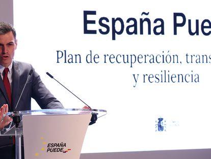 El presidente del Gobierno durante una presentación del plan de recuperación, en febrero.