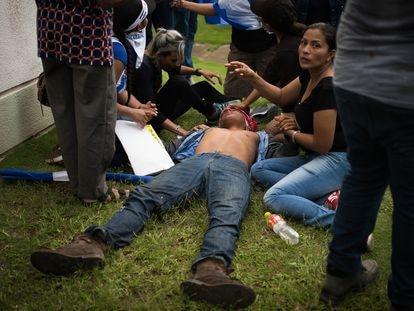 Marcha de las Madres de Nicaragua, el 30 de mayo de 2018, que fue atacada por simpatizantes de Daniel Ortega, que dejaron varios muertos.
